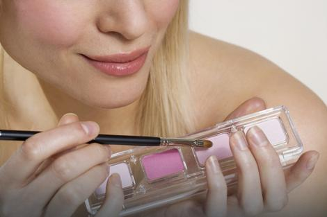 Uvozimo škart kozmetiku- Tekst iz Blica