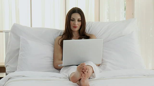 Izbacite kompjutere i televizore iz spavaće sobe, opasna zračenja-Magazin Magična zona