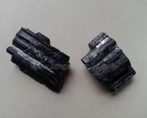 KRISTAL CRNI TURMALIN-talisman za skidanje blokada i razarajućih moći