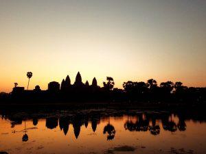 u cik zore, Angkor Wat, Kambodža